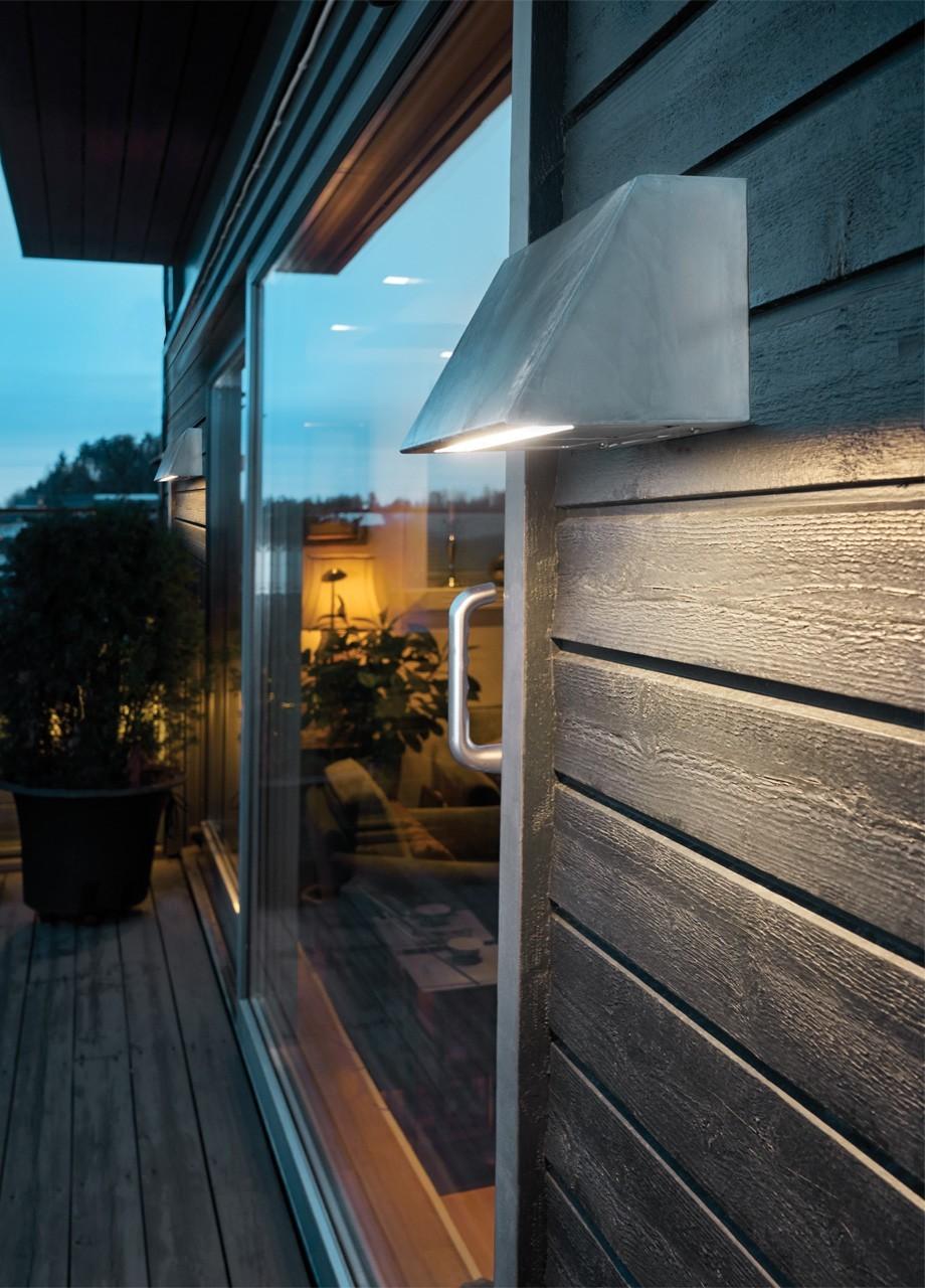 Jakie oświetlenie na balkon