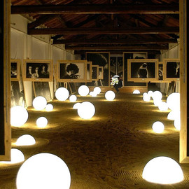 Globo In Ø60 biały - Slide - lampa biurkowa