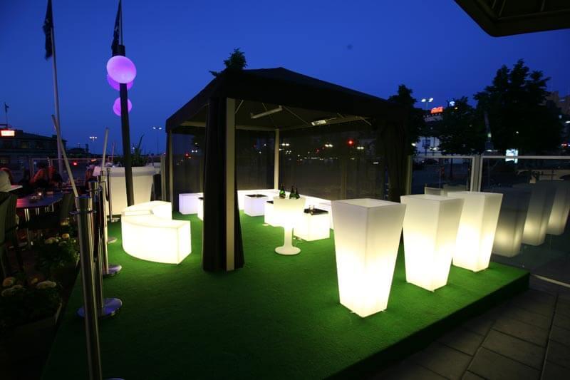 Meble ogrodowe SLIDE - podświetlane plastikowe meble do ogrodu - Włoska jakość.