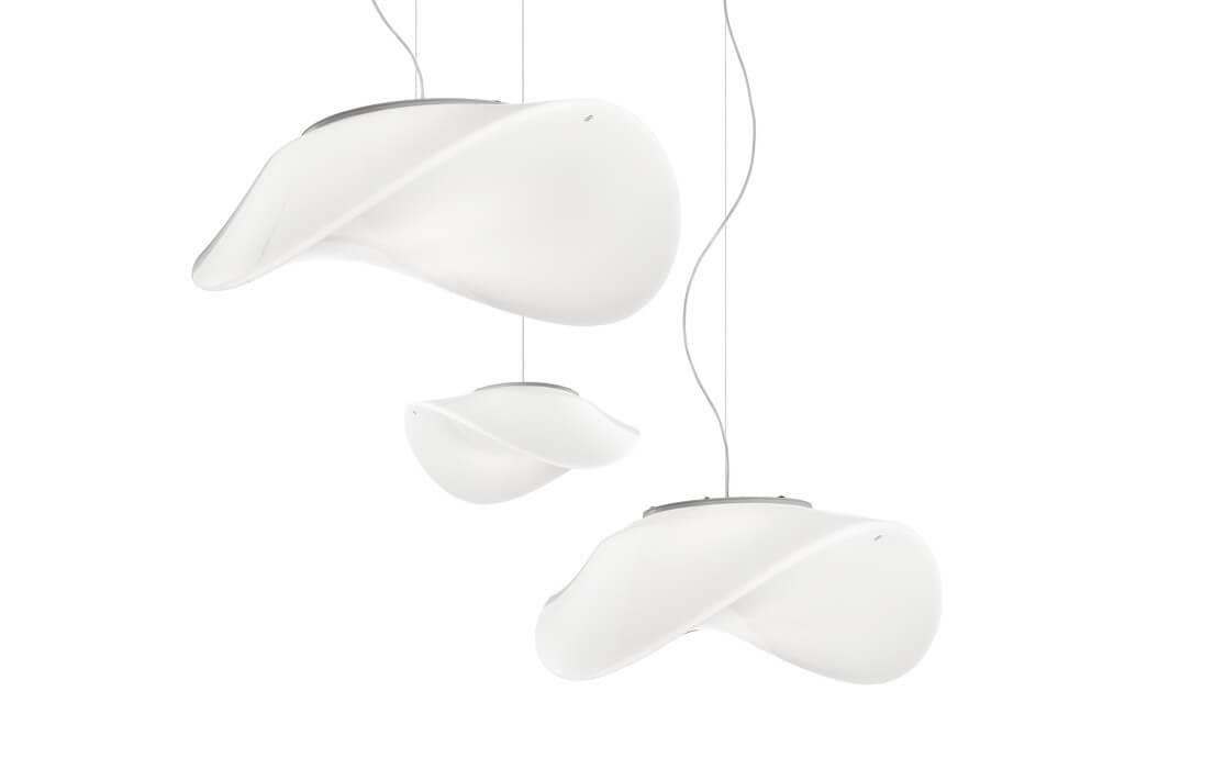 Ładna, nowoczesna lampa włoskia do salonu