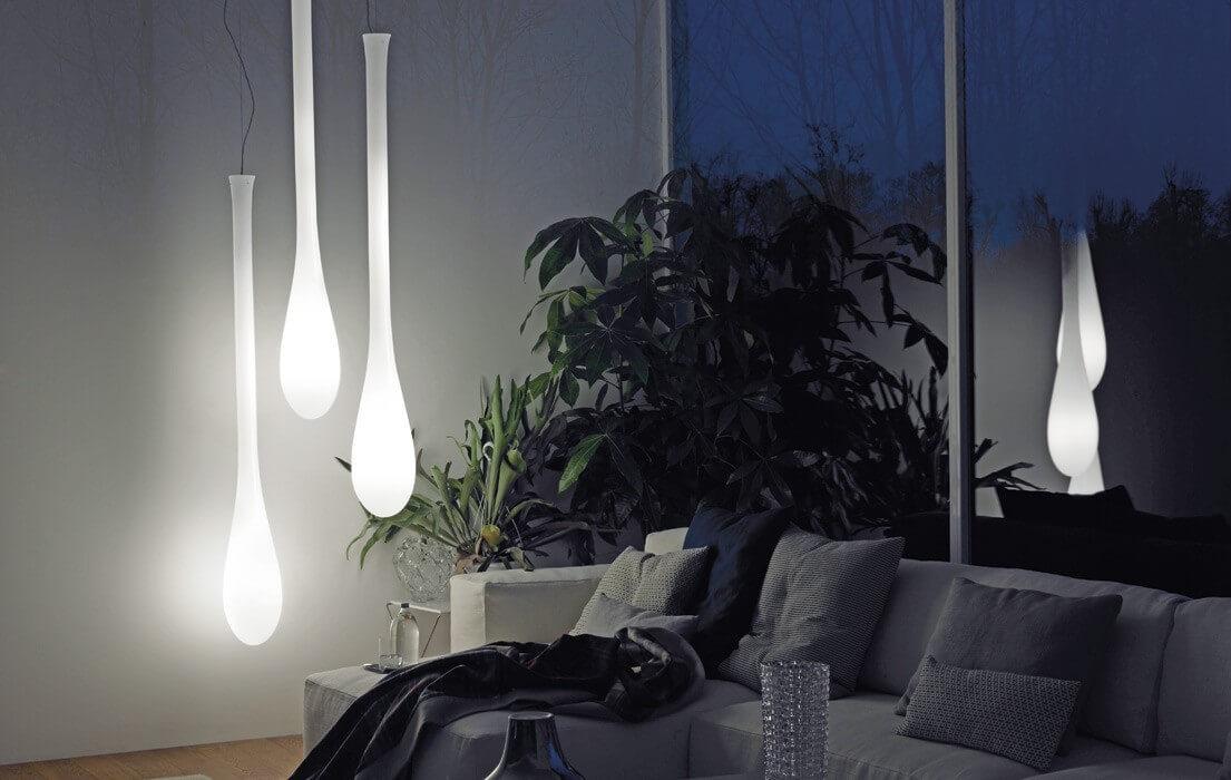 Ładna popularna i nowoczesna lampa wisząca idealna do salonu z serii Lacrima - Vistosi
