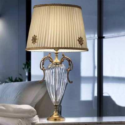 klasyczna ekskluzywna lampka biurkowa Primadonna wloskiego producenta oświetlenia Masiero
